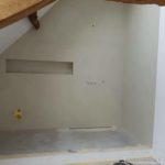 Pavimento e rivestimento della doccia in microcemento bicomponente, con una finitura opaca, colore Avorio 20